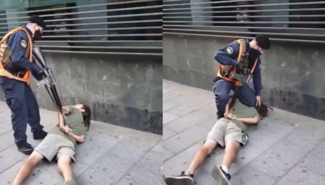 POLÉMICA detención de joven en Valparaíso, con RIFLE en la espalda y RODILLA en el cuello