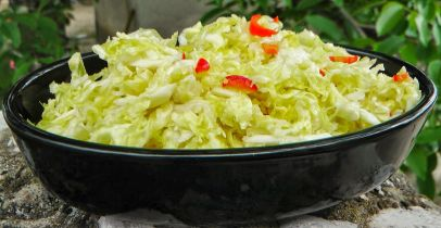 Piquant savoy cabbage salad / Pikáns kelkáposzta saláta