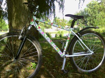 Ma már ott a minta a biciklin...