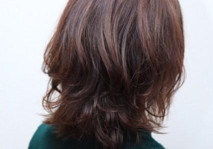 髪の毛がはねてしまうのはなんで?はねた髪の毛はどうしたらいいのか?