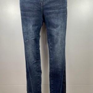 Red-button-jeans-darkdenim-perfekter-Sitz