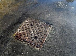 floods close up drains4