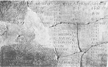 990 Η Ρωσία υιοθετεί το Ιουλιανό ημερολόγιο.