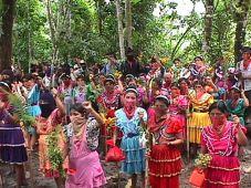 amador-hernandez-mayan-women