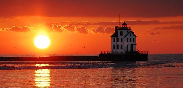 Lighthouse-Lorain-OH-Chim-Cheroo-Chimney-Service