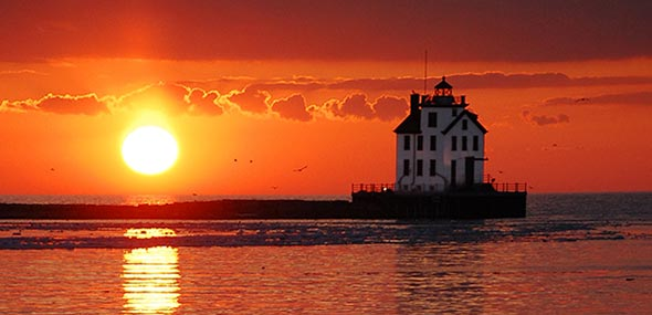 Lighthouse-Lorain-OH-Chim-Cheroo-Chimney-Service