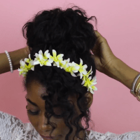 6 WAYS TO WEAR FLORAL HEADBANDS ON CURLY HAIR!