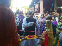 Shashi, the minister, arrives