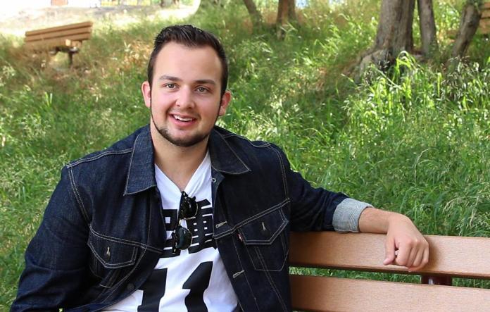 Noah Munck shakes off iCarly identity at Biola - The Chimes