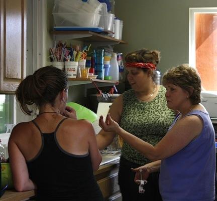 web-volunteer-work-party-kitchen_mg_2848
