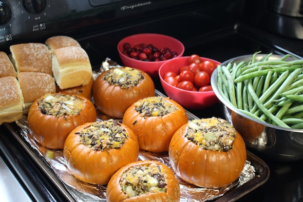 web_christmas_party_food_prep_pumpkin_veggies_bread_dm_IMG_1360