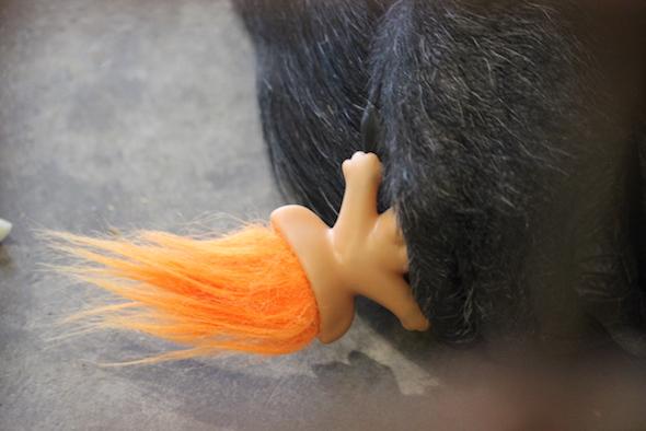 foxie holding troll