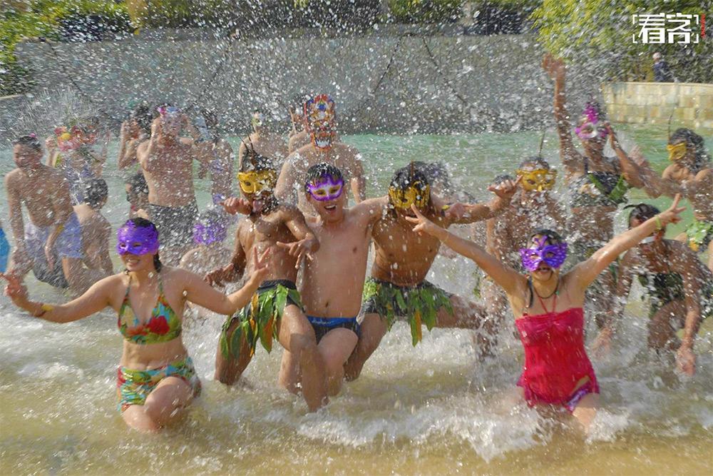 hot springs Christmas Masks carnival