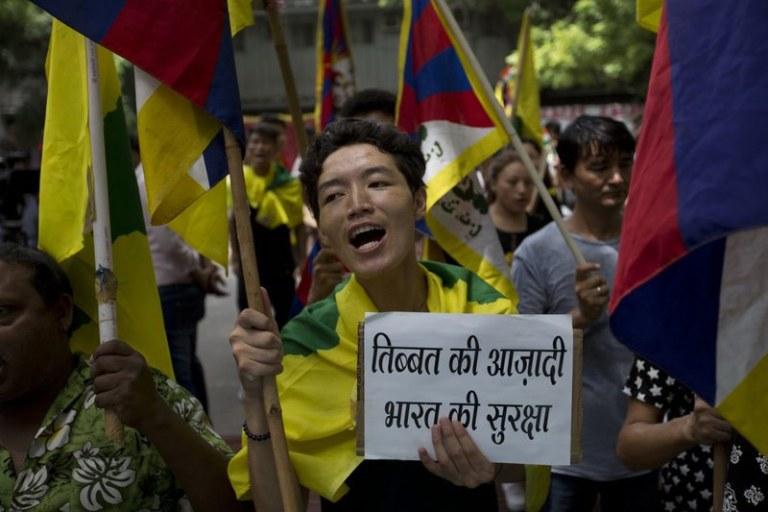 China-leave-Tibet