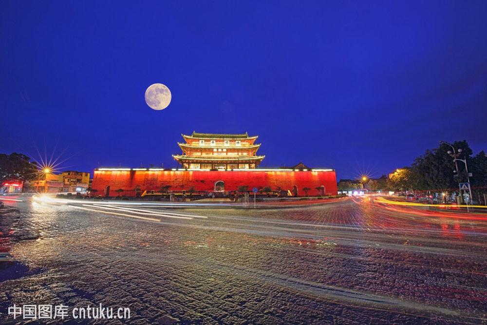 Jianshui-Chaoyang-Gate-Tower
