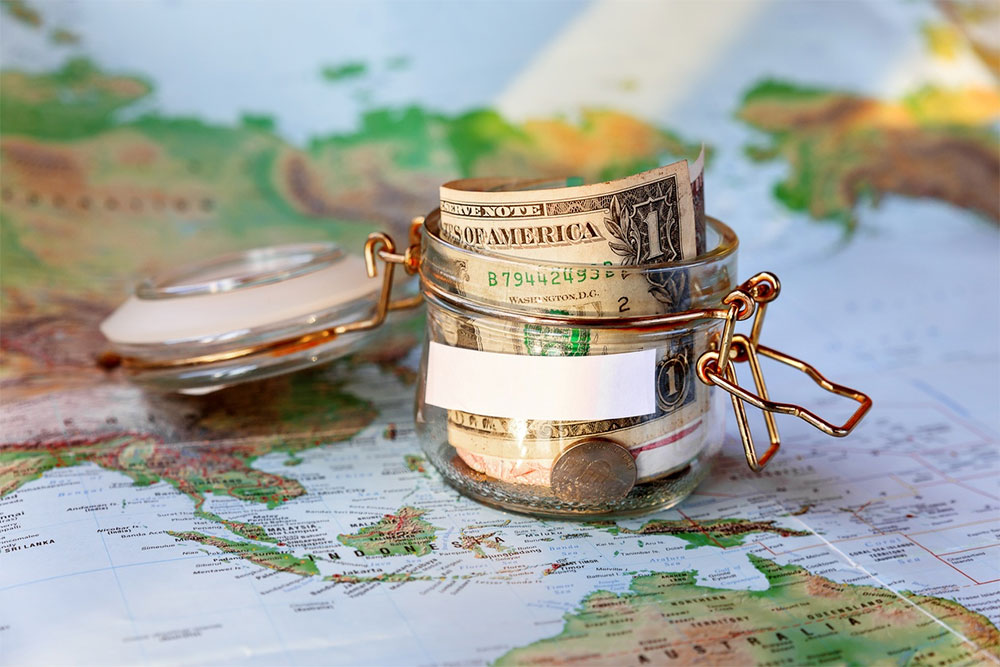 Save-Money-as-a-Student-Abroad