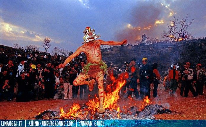 dancing-over-the-bonfire-Yi people