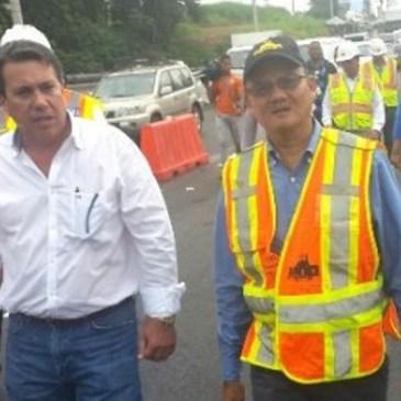 公共工程部部长 视察牛口省道路损坏情况