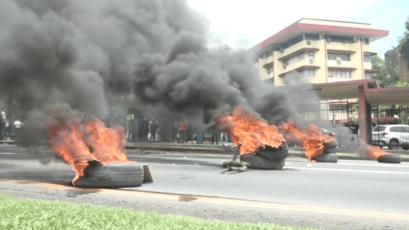 巴拿马大学学生烧胎抗议被削减预算(视频)