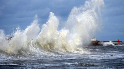 通知:加勒比海地区再有大浪警报至1月2日