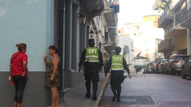 侨声报:为了保障世青节游客安全 旧城区启动安全措施