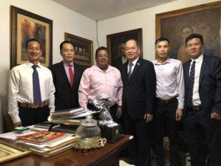 巴拿马华人企业《华美》捐地政府建医院 造福社会显彰华人形象