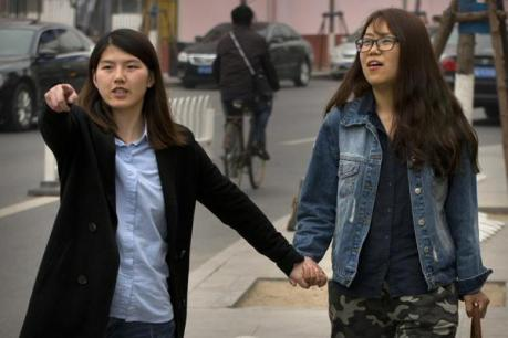 Li Tingting (left) and Xia La. Photo: http://www.washingtonpost.com/world/chinese-feminist-tells-of-ordeal-in-detention-vows-to-continue-advocacy/2015/04/21/00d0ffc6-ae95-4495-82a1-19e26c0b82a7_story.html?postshare=6161430234050125