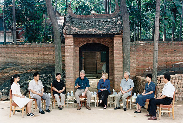 Li Baiguang_clinton in Xi'an village