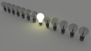 light-bulbs-1125016_640