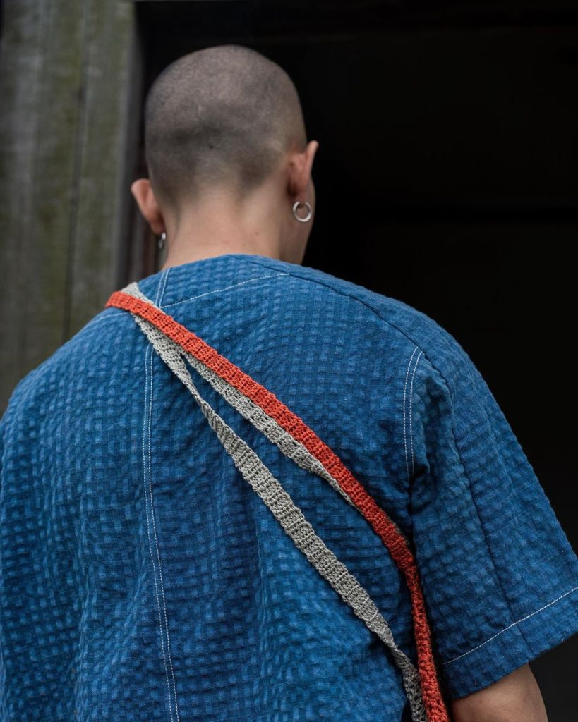 insulaire_official Handloom Baseball shirt #INSULAiRE#ss21shuttle #traditionhandicraft #handwovenfabric #naturedye#indigo