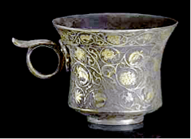 META-MUSEUM: Chinese export Silver - Tang Dynasty Silver gilt beaker