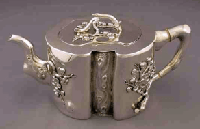 Wang Hing Chinese Export Silver late 19th century tea pot