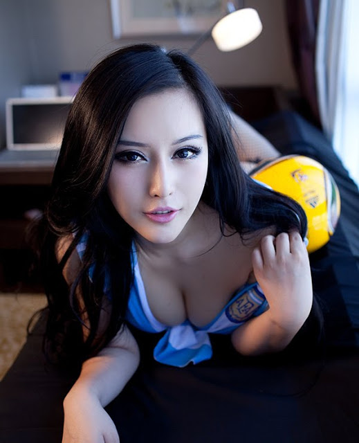 Isabella Yang Qihan - Chinese Sirens