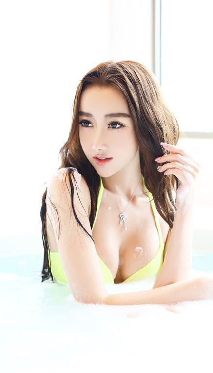 Ren Hong Jing  Hot Pics