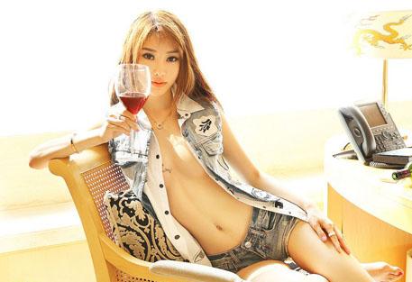 Huan_Miao_Miao_103