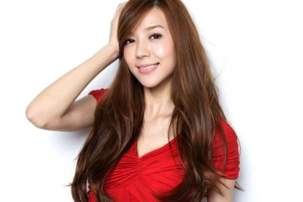 Zhou_Wei_Tong_Red_4