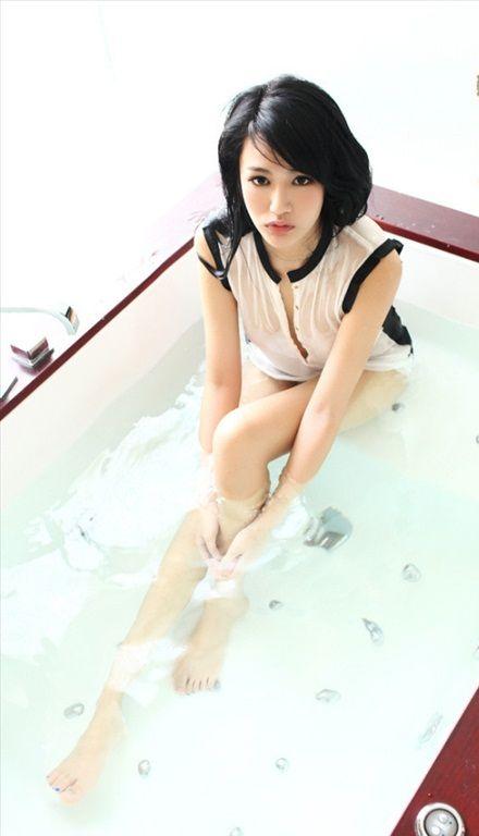 Yan_Yi_80