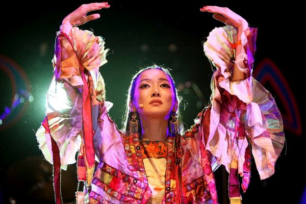 MALMESBURY, UNITED KINGDOM - JULY 27:  Sa Dingding performs live at WOMAD festival on 27 July, 2008 in Wiltshire, England.  (Photo by Louise Wilson/Getty Images)
