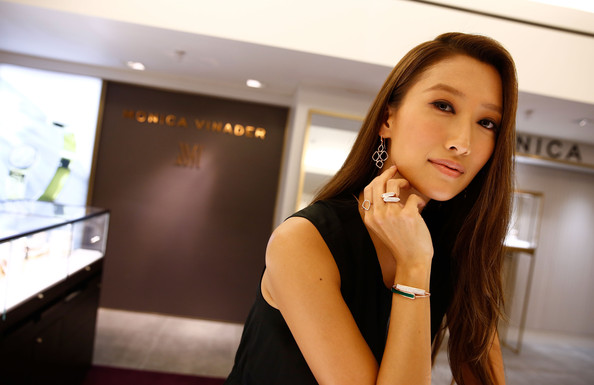 Jennifer-Tse-Meets-Monica-Vinader-Harrods-ojM-0v1ovkcl