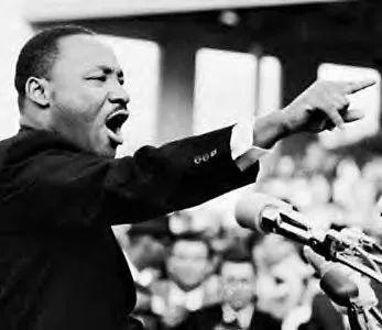 """""""我有一个梦""""—— 马丁·路德·金点燃了一盏照耀美国的明灯"""