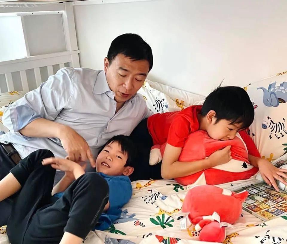 杨安泽能胜任纽约市长吗?听听他身边的人怎么说