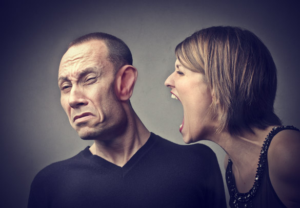woman-yelling-on-man