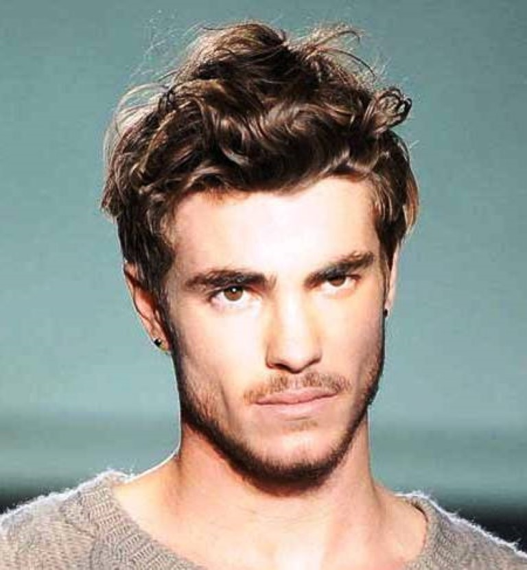 Medium-wavy-hairstyle-men-2015