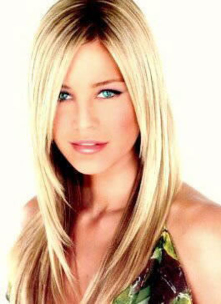 Women-Long-Hairstyles-for-Summer-2011-4