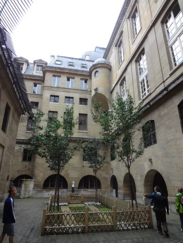 Concierge Courtyard