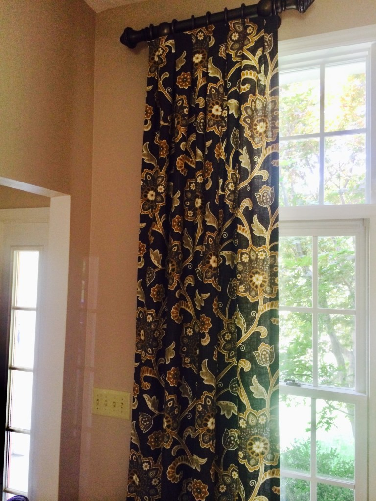 window-treatment-panel-pattern-fabric