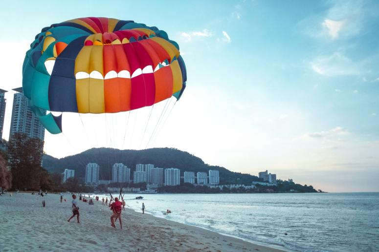 Sky Dive. 20 fun things to do
