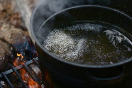 reducing-maple-sap-over-fire