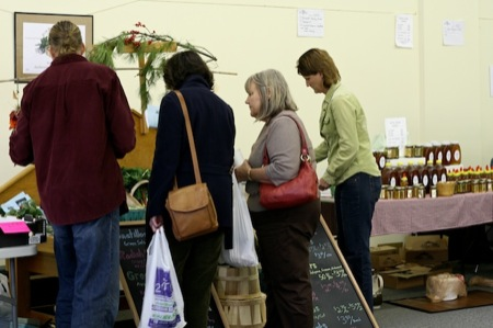 shoppers_at_local_roots_market