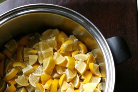 making_lemon_marmalade
